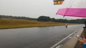 Même sous la pluie, Romain donne tout